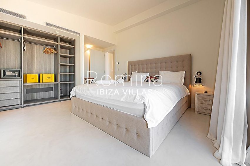 romina-ibiza-villas-rv-937-48-villa-malibu-4bedroom3