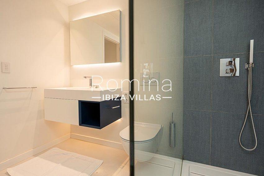 romina-ibiza-villas-rv-937-48-villa-malibu-5shower room